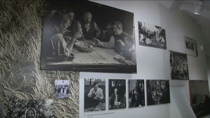 Clervaux : l'exposition The Family of Man prend ses quartiers