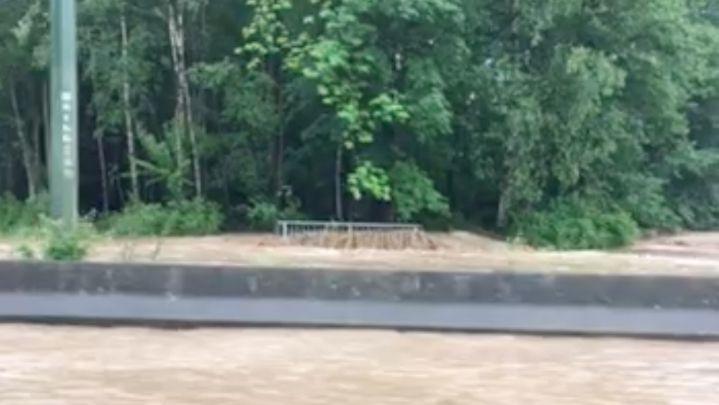 Bande (Nassogne). Des torrents d'eau sur la Nationale 4