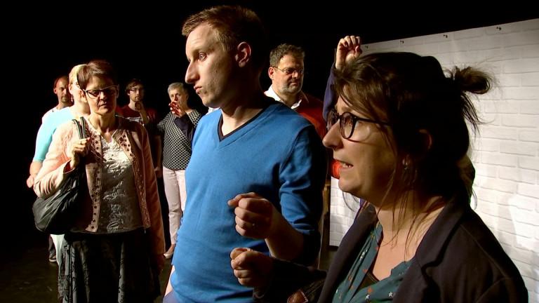 Bastogne: le Théâtre de la Lune parodie la langue de bois