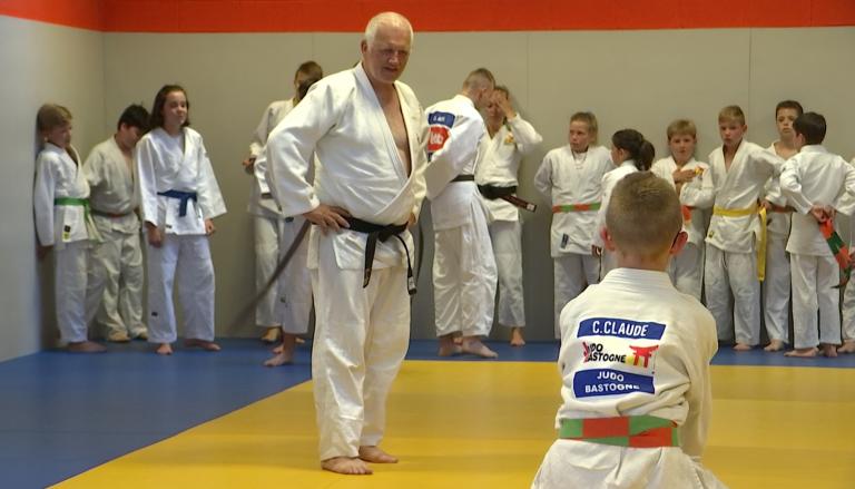 Un judoka autrichien visite 1 000 clubs de judo, dont Bastogne