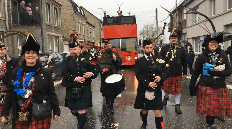 Un 37ème cortège carnavalesque pluvieux à Wellin