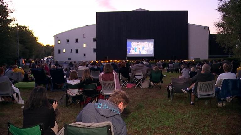 Une séance cinéma en plein air au ROx de Rouvroy