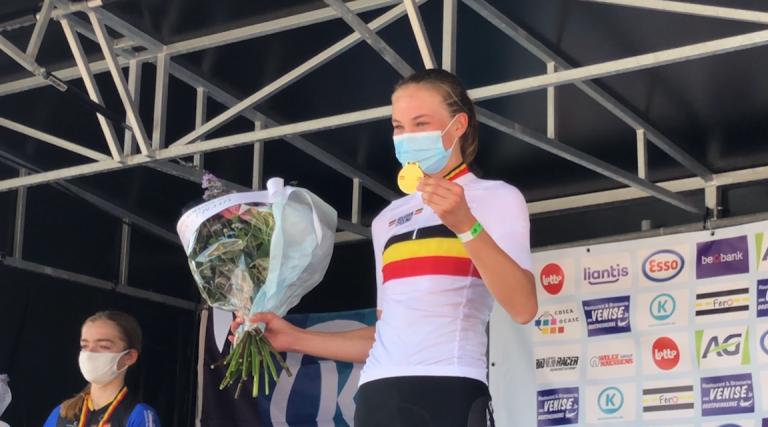 Déjà championne en VTT, Julia Grégoire décroche le titre national sur route chez les débutantes !