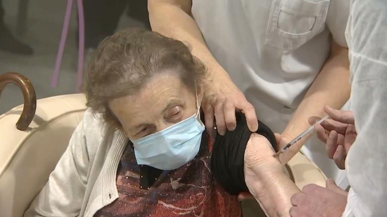 Vielsalm : Denise, première résidente vaccinée