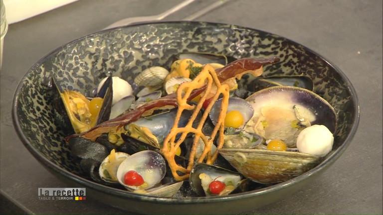 Les pâtes à l'encre de seiche et aux coquillages