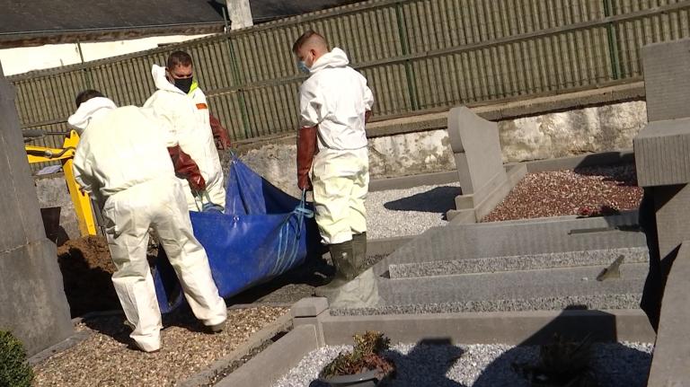 Warnach. Des tombes abandonnées sont exhumées