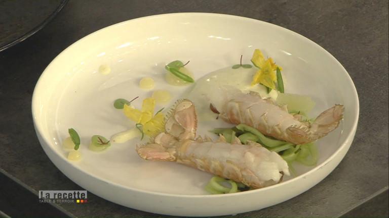 Les langoustines rôties au yaourt au basilic et concombres
