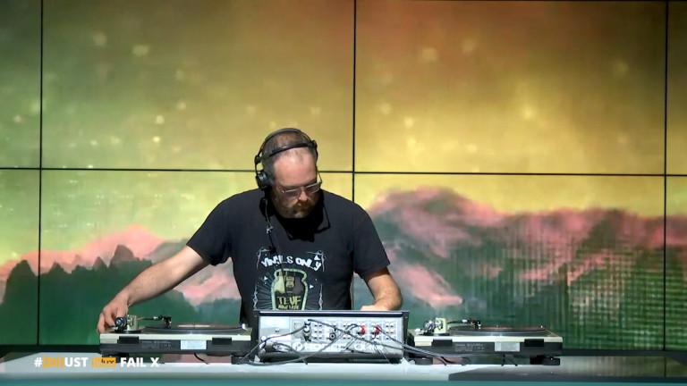#[DJ]ust - Fail X