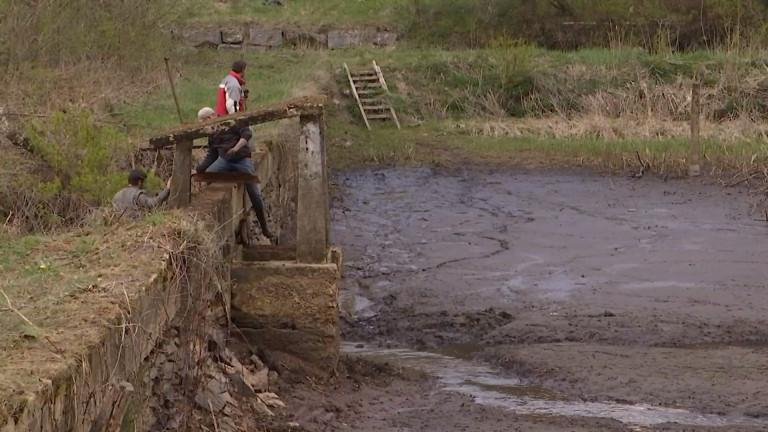 Habay. Grand nettoyage de l'étang Remy en vue des AB'gnades