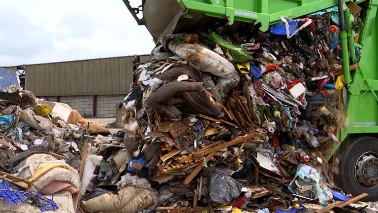 Des milliers de mètres cubes de déchets à trier suite aux inondations