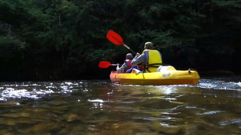 Les loueurs de kayaks de l'Ourthe privés du tronçon Maboge-La Roche