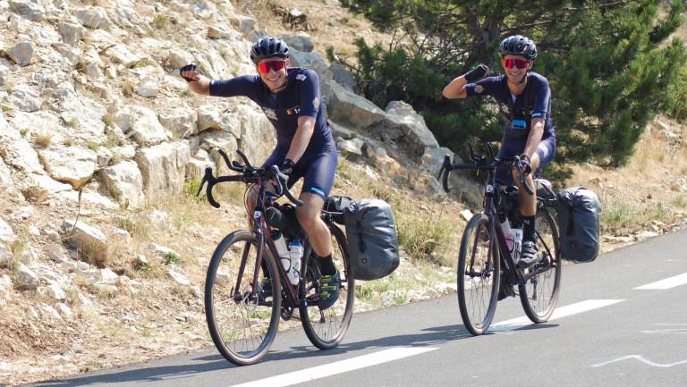 Deux jeunes Arlonais roulent 1.100 km pour l'asbl Juddu