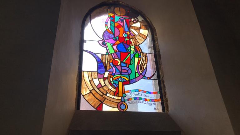 L'église de Wéris se pare de vitraux contemporains