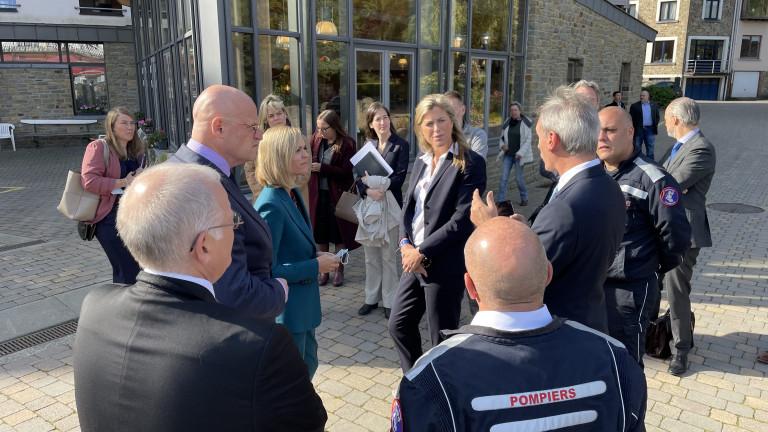 Trois ministres en visite à La Roche pour évoquer la collaboration entre la Belgique, les Pays-Bas et le Luxembourg lors des inondations