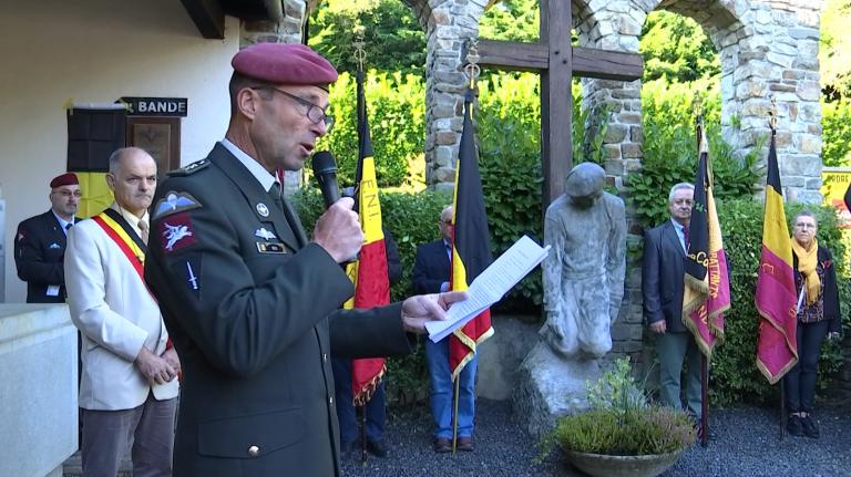 Hommage aux parachutistes belges de l'hiver 44-45 à Bande