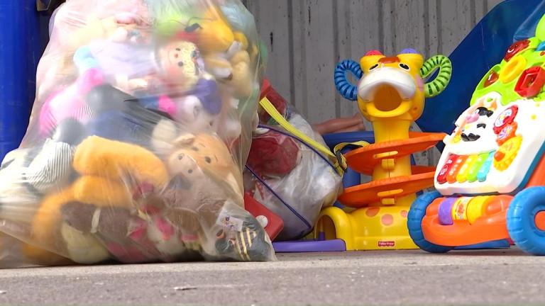 Belle collecte de jouets dans les Recyparcs
